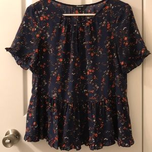 Madewell XS floral top with ruffled sleeves/bottom